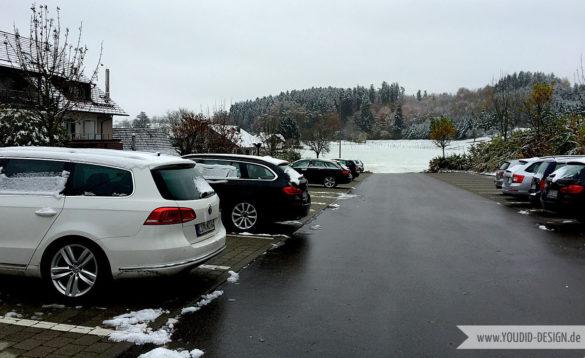 Schnee auf den Autos | www.youdid-design.de