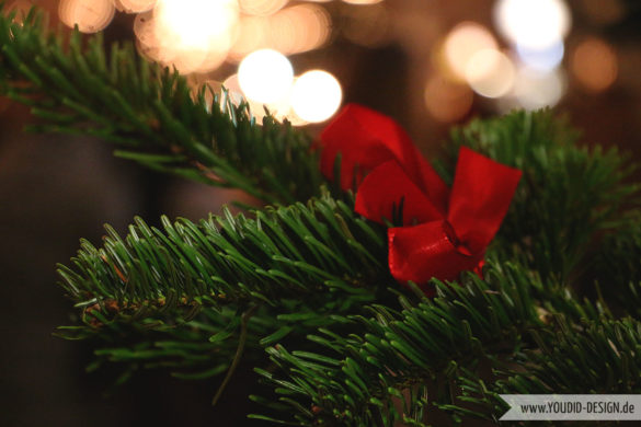 Rote Schleife im Weihnachtsbaum | www.youdid-design.de