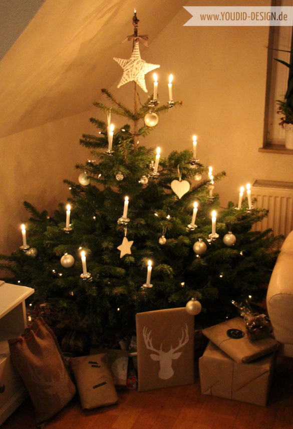 Weihnachtsbaum mit weissen Kugeln | www.youdid-design.de