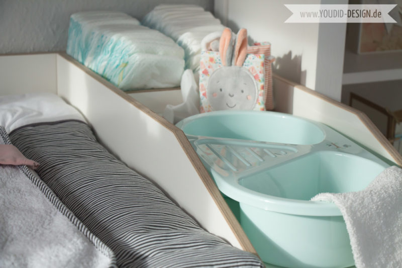 Inspiration-for-a-scandinavian-nursery-Inspirationen-für-ein-skandinavisches-Kinderzimmer-in-mint-blush IKEA Hack Wickelaufsatz für die IKEA Hemnes Kommodedeko-interior-nordic-scandi-style | www.youdid-design.de