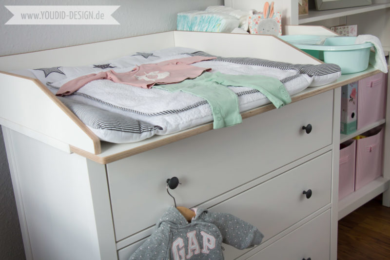 Inspiration-for-a-scandinavian-nursery-Inspirationen-für-ein-skandinavisches-Kinderzimmer-in-mint-blush-IKEA-Hack-IKEA-Wickelaufsatz für die IKEA Hemnes Kommode wird-zum-Wickeltisch-interior-nordic-scandi-style | www.youdid-design.de