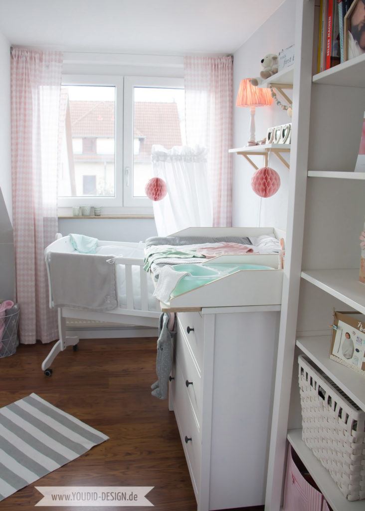 Inspiration for a scandinavian nursery Inspirationen für ein skandinavisches Kinderzimmer in mint blush IKEA Hack IKEA Hemnes Kommode wird zum Wickeltisch interior nordic style scandi | www.youdid-design.de