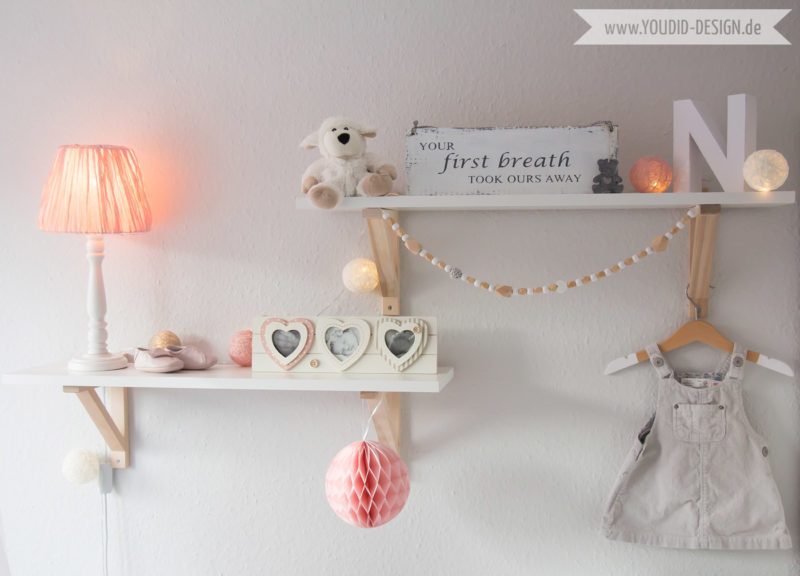 Inspiration for a scandinavian nursery Inspirationen für ein skandinavisches Kinderzimmer in mint blush IKEA Hack scandinavian deko nordic interior style scandi style simplicity Shelf | www.youdid-design.de
