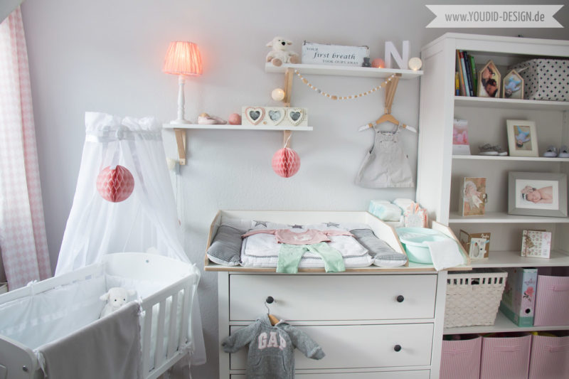 Inspiration for a scandinavian nursery Inspirationen für ein skandinavisches Babyzimmer in mint blush IKEA Hemnes Kommode wird zum Wickeltisch interior nordic interior scandi style | www.youdid-design.de