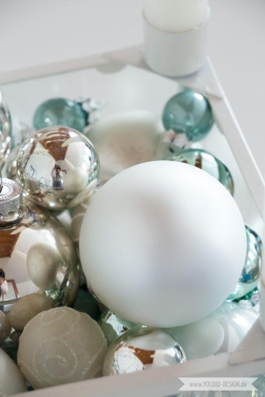 Minimalistische nordische skandinavische Weihnachtsdeko nordic Christbaumschmuck in weiss und mint | www.youdid-design.de