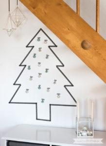Minimalistische nordische skandinavische Weihnachtsdeko nordic Weihnachtsbaum aus Washi Tape | www.youdid-design.de