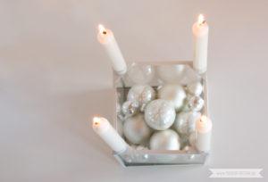 Minimalistische nordische skandinavische Weihnachtsdeko nordic weisse Christbaumkugeln | www.youdid-design.de
