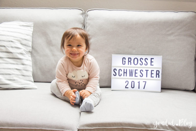 Grosse Schwester Lightbox Schild Pregnancy Announcement   https://youdid.blog