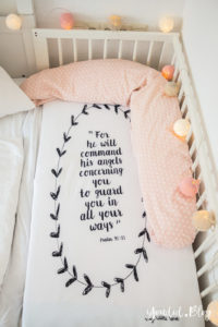 Skandinavisches Kinderzimmer Bettlaken Love you to the moon Hausregale Beistellbett Babybett IKEA Hack Bambi Nordichome Nordickidsroom Cosleeper | https://youdid.blog