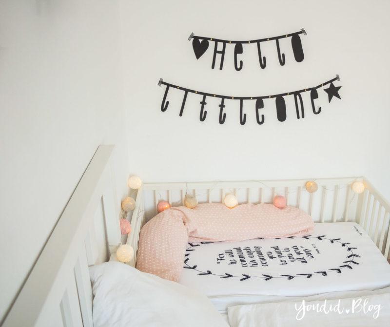 Skandinavisches Kinderzimmer Bettlaken Love you to the moon Hausregale Beistellbett Familienbett Babybett IKEA Hack Gulliver Familybed   https://youdid.blog