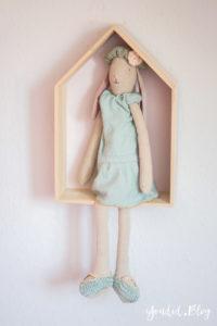 Skandinavisches Kinderzimmer Bettlaken Love you to the moon Hausregale Beistellbett Familienbett Babybett IKEA Hack Maileg Hase Malin | https://youdid.blog