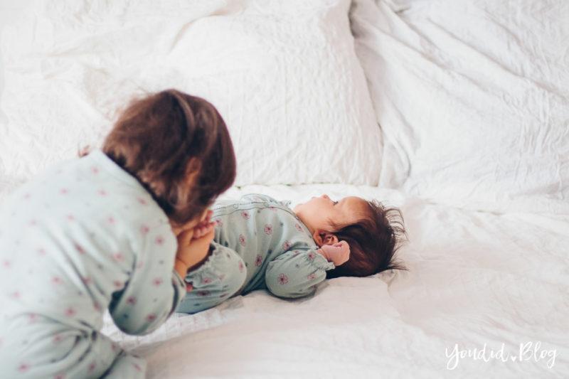 Zwei unter zwei 5 Monate als Zweifach grosse Schwester kleine Schwester | https://youdid.blog