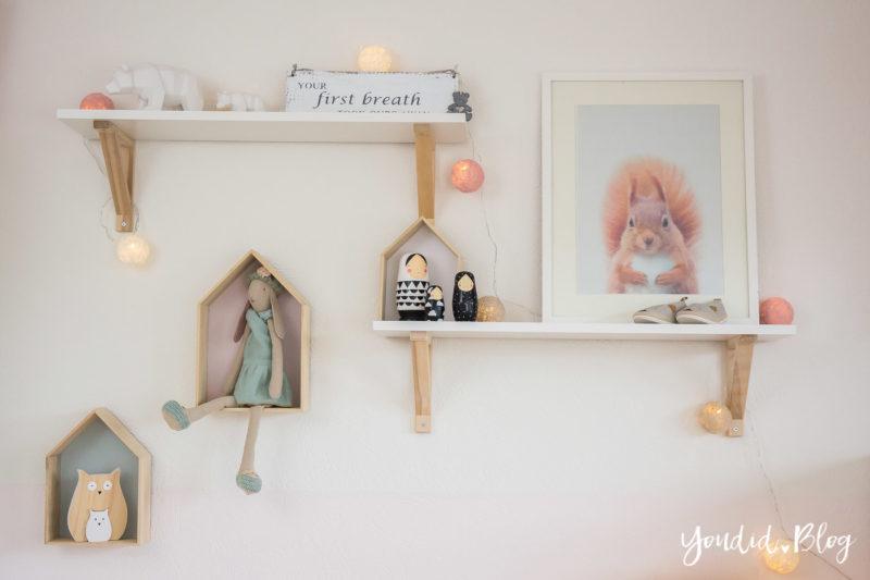 nordic kidsroom skandinavisches Kinderzimmer IKEA Maileg Hausregal | https://youdid.blog