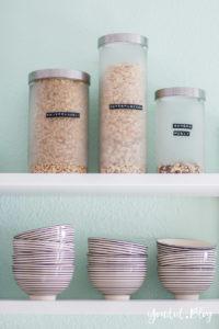 Küchenregal Küchendetails und mintfarbene Wand Macaron nordic kitchen IKEA Küche iblaursen casablanca | https://youdid.blog
