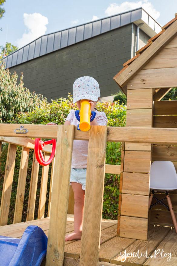 Ein Kletterturm mit Rutsche Sandkasten Schaukel und Spielhaus Fernglas - Unsere Erfahrung mit dem Wickey Spielturm | https://youdid.blog