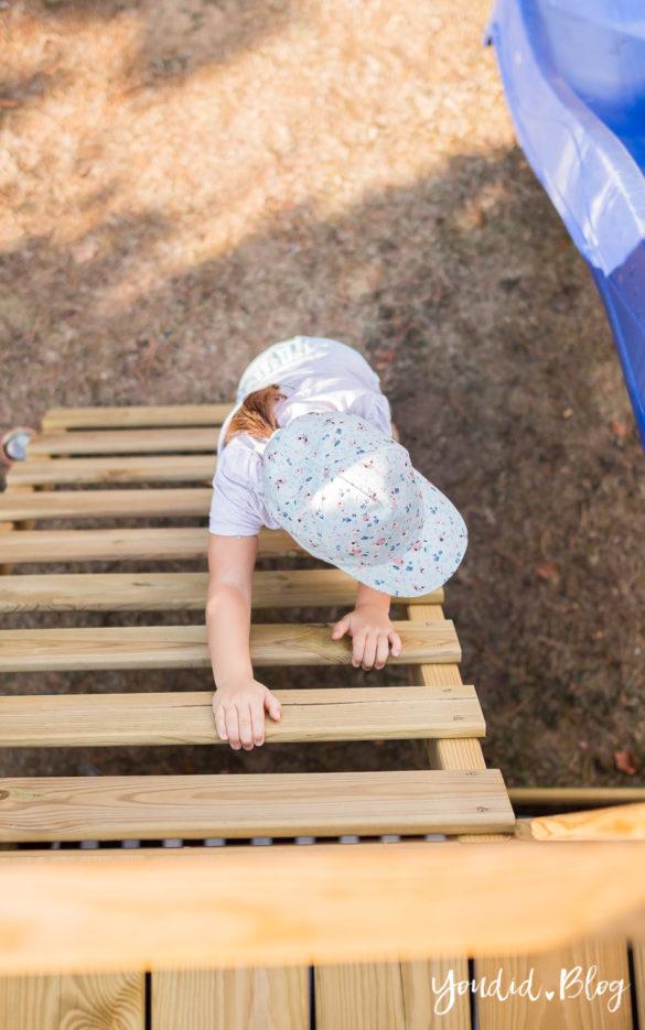 Ein Kletterturm mit Rutsche Sandkasten und Schaukel - Unsere Erfahrung mit dem Wickey Spielturm | https://youdid.blog