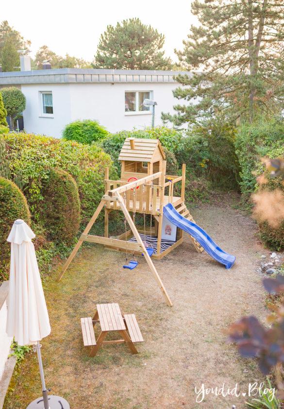 Ein Spielhaus mit Rutsche Sandkasten Schaukel und Spielhaus - Unsere Erfahrung mit dem Wickey Spielturm | https://youdid.blog