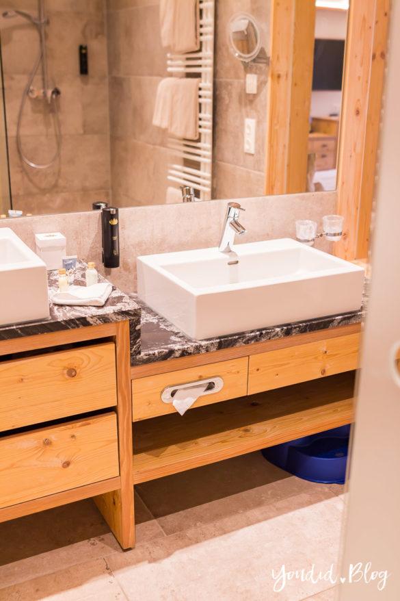 Luxus Familienauszeit im Dachsteinkönig das Familienhotel der Extraklasse Badezimmer | https://youdid.blog