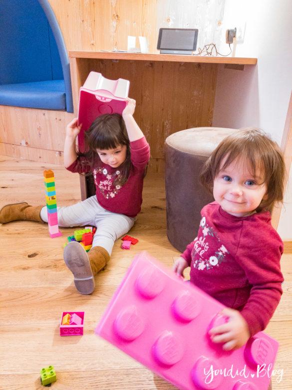 Unsere Luxus Familienauszeit im Kinderhotel Dachsteinkönig Familienhotel Lego Kiste | https://youdid.blog