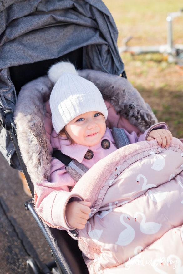 Der richtige Altersabstand beim zweiten Kind Unterwegs mit Jollyroom wunderschöner Fusssack und Reisebuggy Welches ist der richtige Abstand anderthalb Jahre | https://youdid.blog
