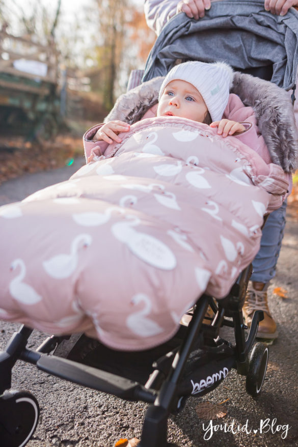 Der richtige Altersabstand beim zweiten Kind Unterwegs mit Jollyroom wunderschöner Fusssack von Petite Cherie | https://youdid.blog