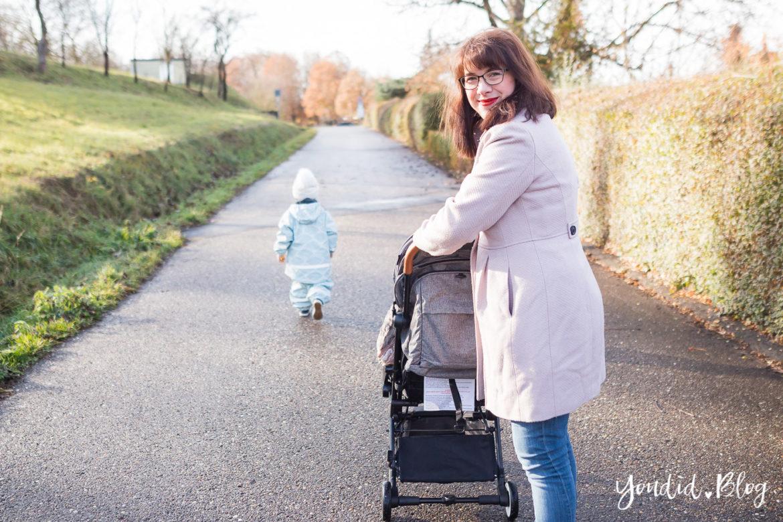 Unterwegs mit zwei Kindern und Jollyroom wunderschöner Fusssack und Reisebuggy Welches ist der richtige Abstand anderthalb Jahre   https://youdid.blog