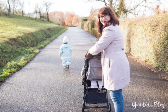 Unterwegs mit zwei Kindern und Jollyroom wunderschöner Fusssack und Reisebuggy Welches ist der richtige Abstand anderthalb Jahre | https://youdid.blog