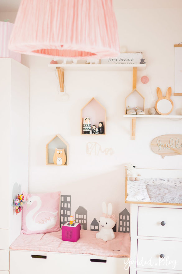 5 Tipps für entspanntes Wickeln modernes skandinavisches Kinderzimmer Girlsroom | https://youdid.blog