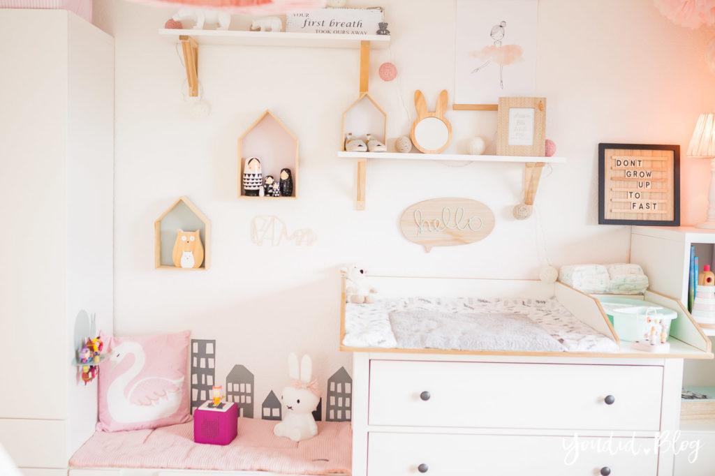 5 Tipps für entspanntes Wickeln skandinavisches Kinderzimmer IKEA Hack Wickelkommode Girlsroom | https://youdid.blog