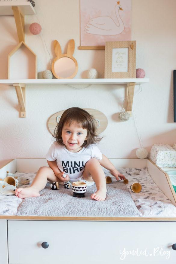 5 Tipps für entspanntes Wickeln und warum wir nur noch Lillydoo Windeln und Feuchttücher verwenden Girlsroom Kinderzimmer | https://youdid.blog