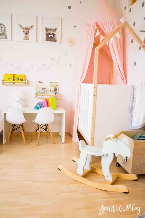 Ein Hausbett selber bauen oder auch nicht – Kinderzimmer Makeover mit Vertbaudet Schaukelelch IKEA Housebed | https://youdid.blog