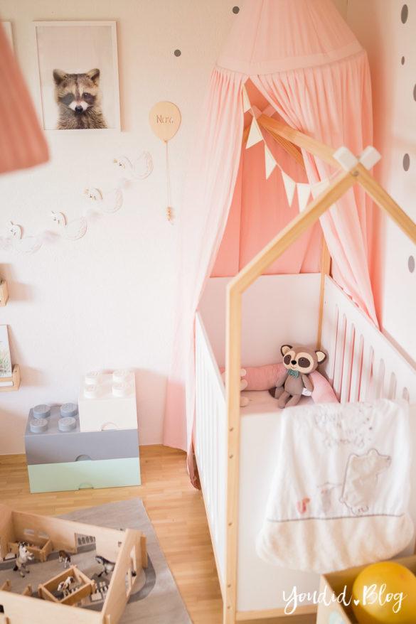 Ein Hausbett selber bauen oder auch nicht – Kinderzimmer Makeover mit Vertbaudet kidsroom house bed | https://youdid.blog