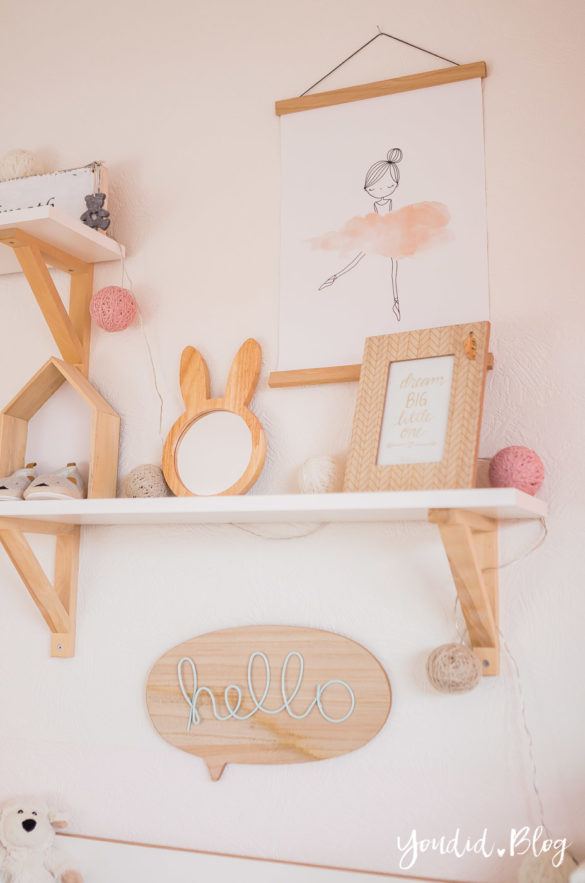 shelfie skandinavisches Kinderzimmer nordic girlsroom kidsroom | https://youdid.blog
