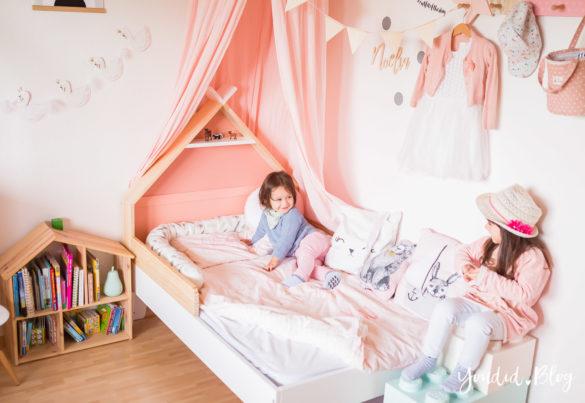 Ein Hausbett selber bauen oder auch nicht Kinderzimmer Make over DIY housebed nordic girlsroom skandinavisches Kinderzimmer | https://youdid.blog