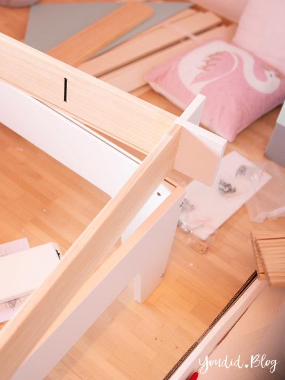 Ein Hausbett selber bauen oder auch nicht Kinderzimmer Make over mit vertbaudet DIY housebed nordic kidsroom skandinavisches Kinderzimmer | https://youdid.blog