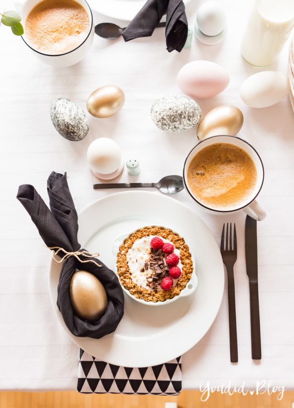 Osterbrunch mit Granola Tarte - Dekoideen für deinen Ostertisch Ostern - Easter Decoration Happy Easter - Ostereier färben Eier bemalen - Breakfast Granola Tart | https://youdid.blog