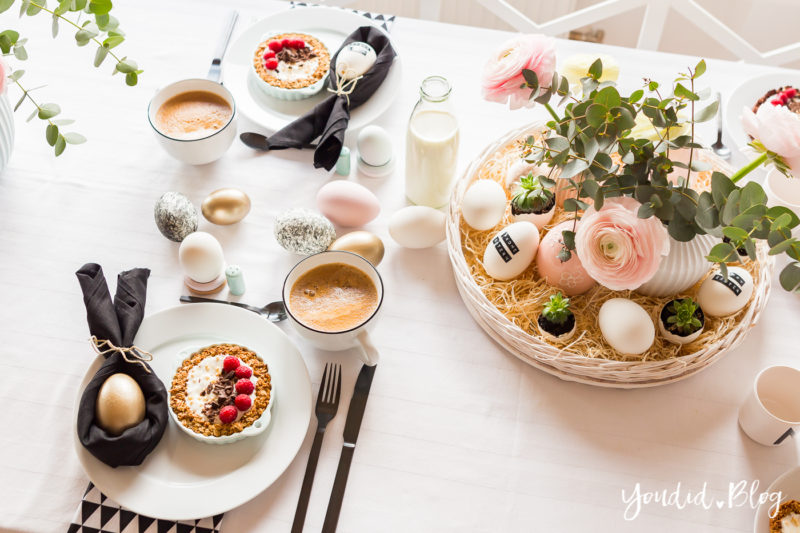 Osterbrunch mit Granola Tarte - Ideen für deinen Ostertisch Ostertischdekoideen - Easter Decoration Happy Easter - Ostereier färben Eier bemalen - Breakfast Granola Tart | https://youdid.blog