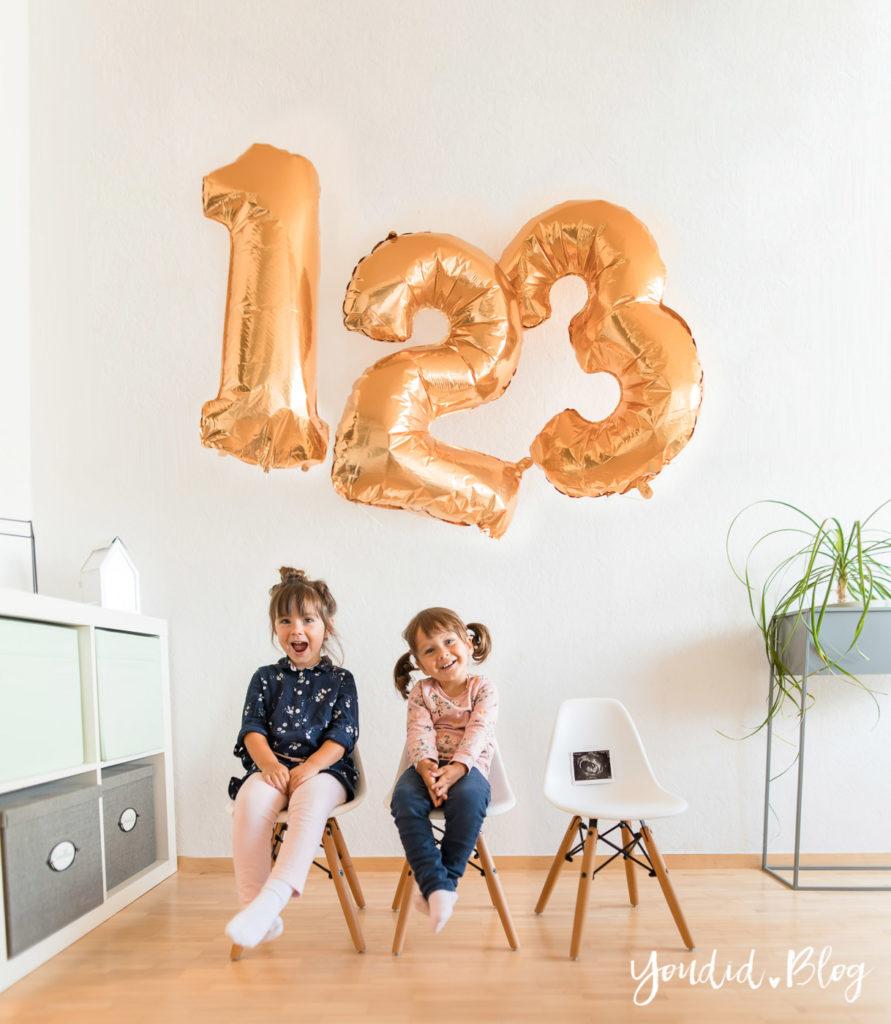 Der positive Schwangerschaftstest Schwangerschaftsverkündung Pregnancy Announcement 12. Schwangerschaftswoche Geschwisterbild | https://youdid.blog