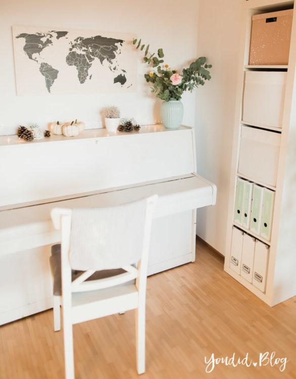Holzbilder im skandinavischen Wohnstil Home Office Make Over Herbstdeko | https://youdid.blog