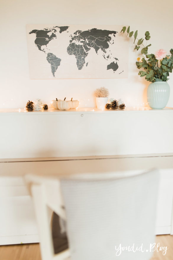 Poster und Holzbilder im skandinavischen Wohnstil Home Office Make Over Herbstdeko Weltkarte | https://youdid.blog