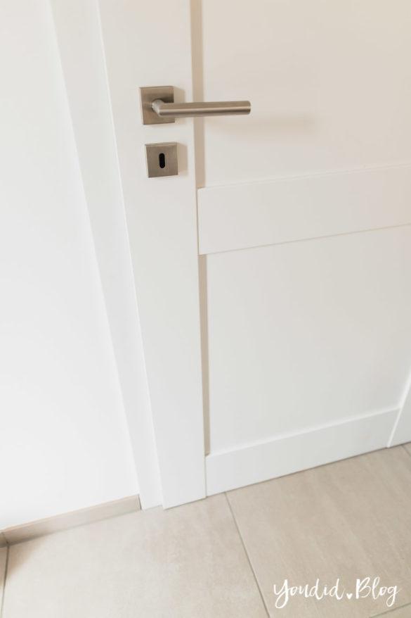 Room Tour durchs Haus moderne Kassettentüren und unsere Erfahrung mit Tür und Zarge erster Rundgang | https://youdid.blog