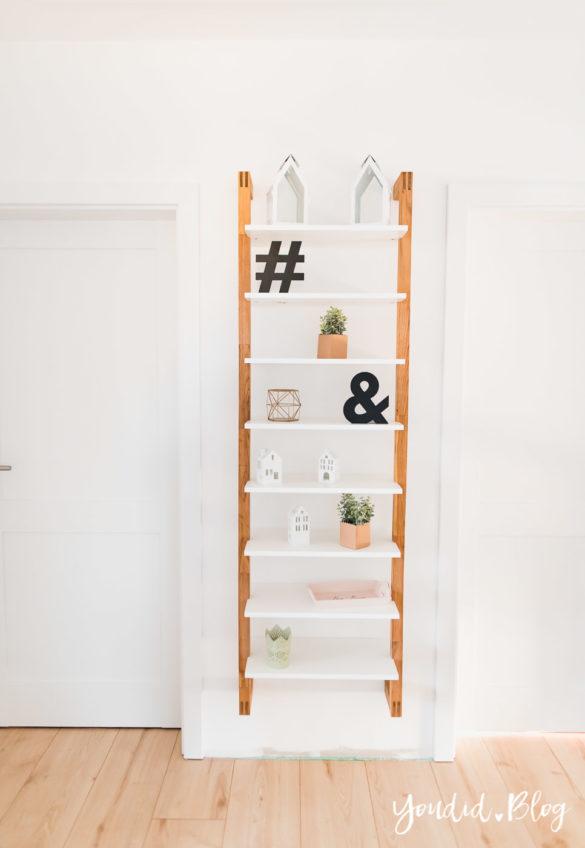 Room Tour durchs Haus moderne Kassettentüren und unsere Erfahrung mit Tür und Zarge Leiterregal | https://youdid.blog