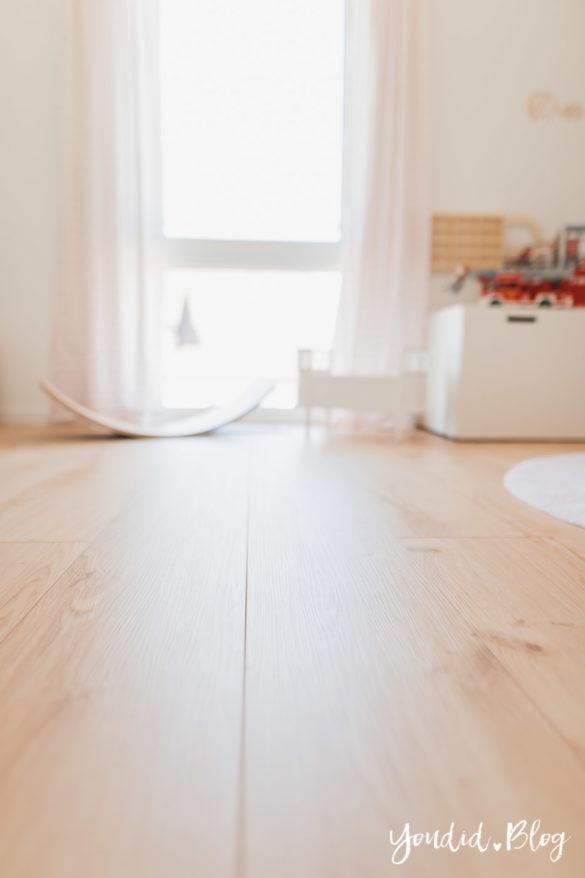 Unser skandinavisches Kinderzimmer und unsere Erfahrungen mit dem Purline Bioboden von Wineo XXL Dielen Garden Oak | https://youdid.blog