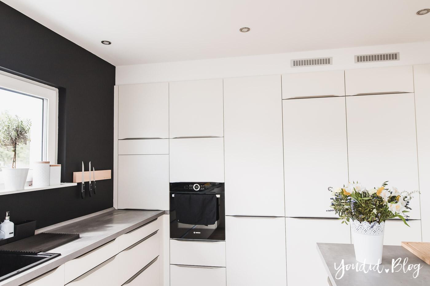 Bauanleitung Küchenschränke verkoffern Küche schwarz streichen Black White Kitchen | https://youdid.blog