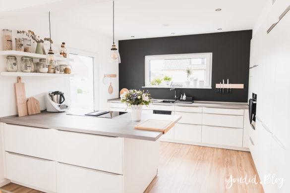 Bauanleitung Küchenschränke verkoffern Küche schwarz streichen verkleiden und unser Lichtkonzept in der Küche | https://youdid.blog