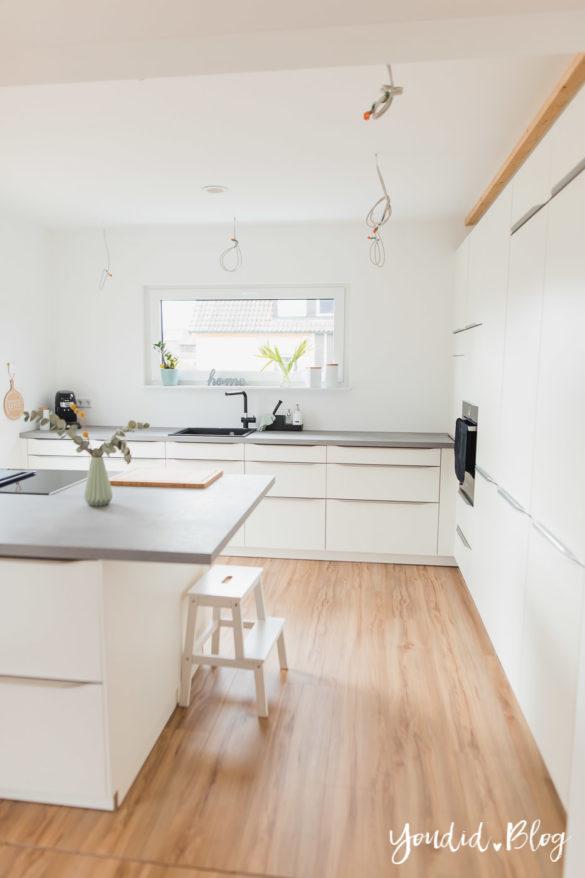 Bauanleitung Küchenschränke verkoffern Küchenschrankwand abkoffern Küchenhochschränke mit Trockenbau verkleiden und Lichtkonzept in der Küche | https://youdid.blog