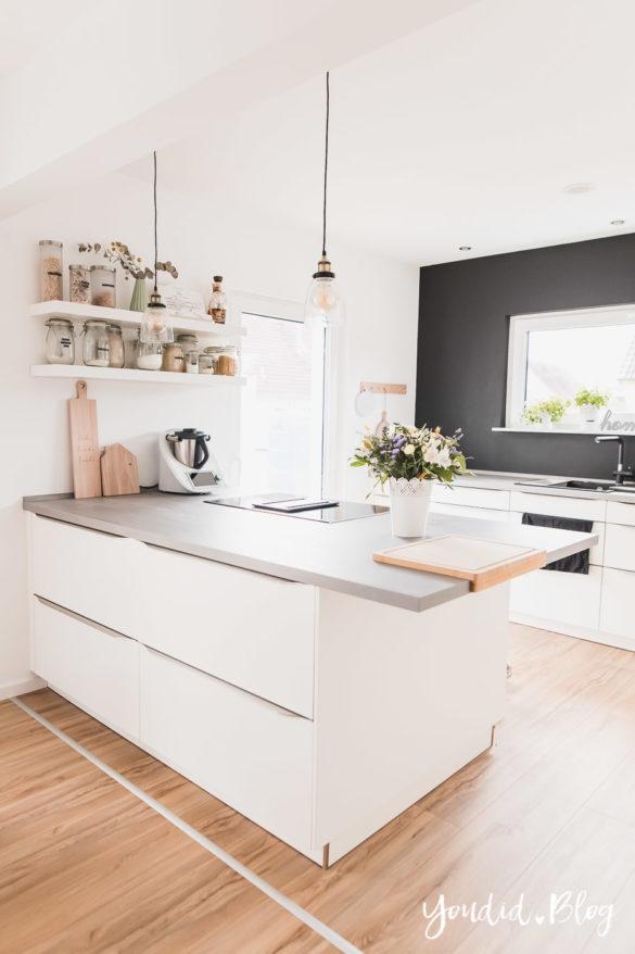 Bauanleitung Küchenschränke verkoffern Trockenbau Küche schwarz streichen Black White Kitchen | https://youdid.blog
