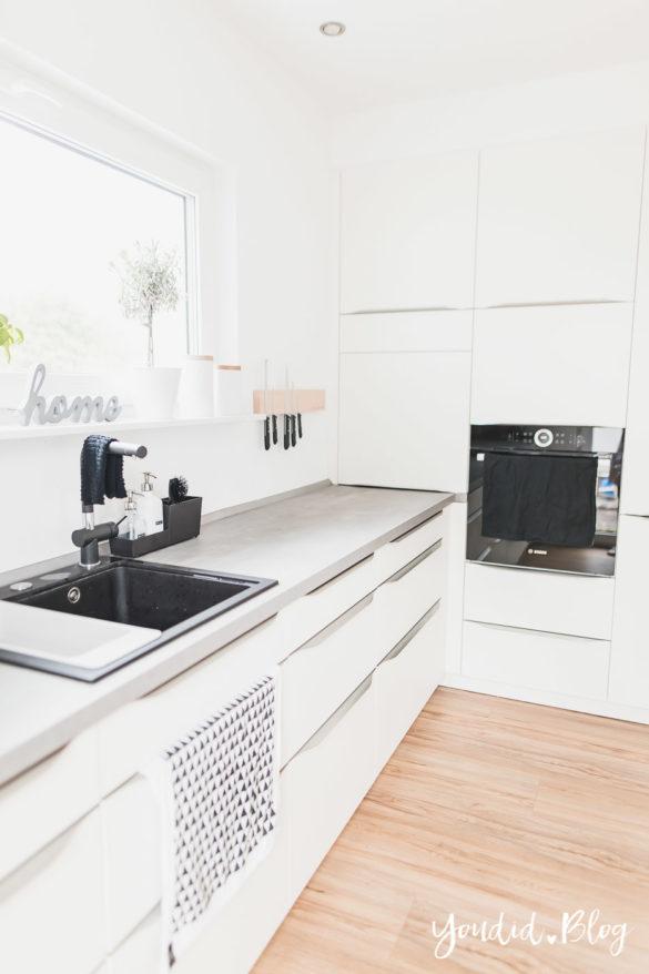 Lichtkonzept in der Küche Bauanleitung Küchenschränke verkoffern Küchenschrankwand abkoffern Küchenschränke mit Trockenbau verkleiden | https://youdid.blog