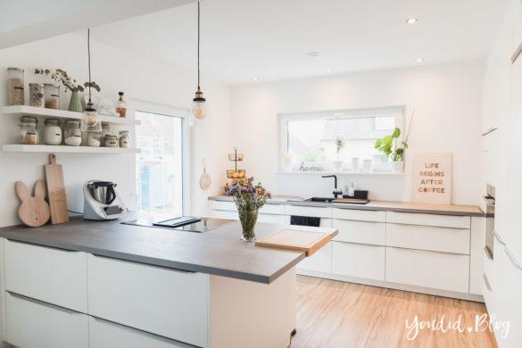 Lichtkonzept in der Küche Bauanleitung Küchenschrankwand abkoffern Küchenhochschränke mit Trockenbau verkleiden | https://youdid.blog