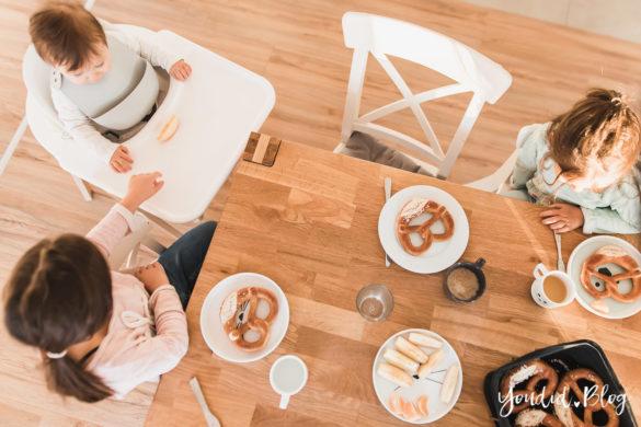 Zwischen Corona und Einhorn Kneten Mit Lässig am Tisch Zuhause Essgeschirr | https://youdid.blog